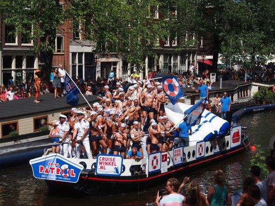 Amsterdam_Gay_Pride_2013_boat_no4_pic2